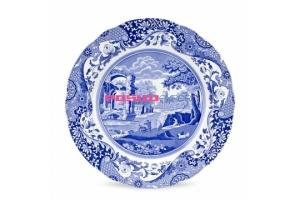 Традиционный английский фарфор от компании Spode.